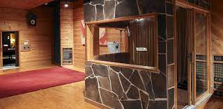 How to Soundproof a Vocal Booth